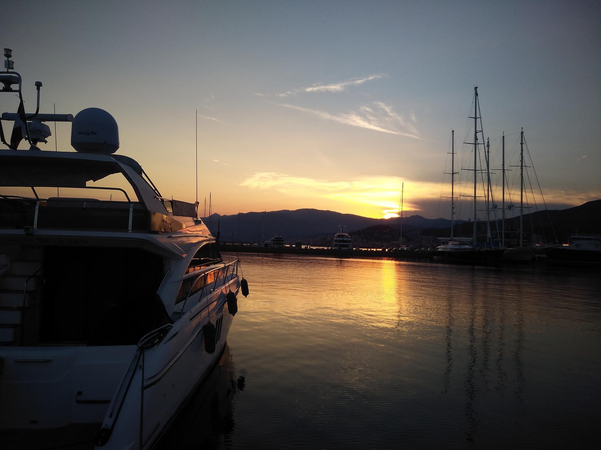Locations de bateaux et services nautiques
